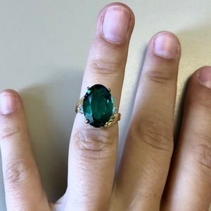 Jewelry - 18k Gold and Emerald Ring